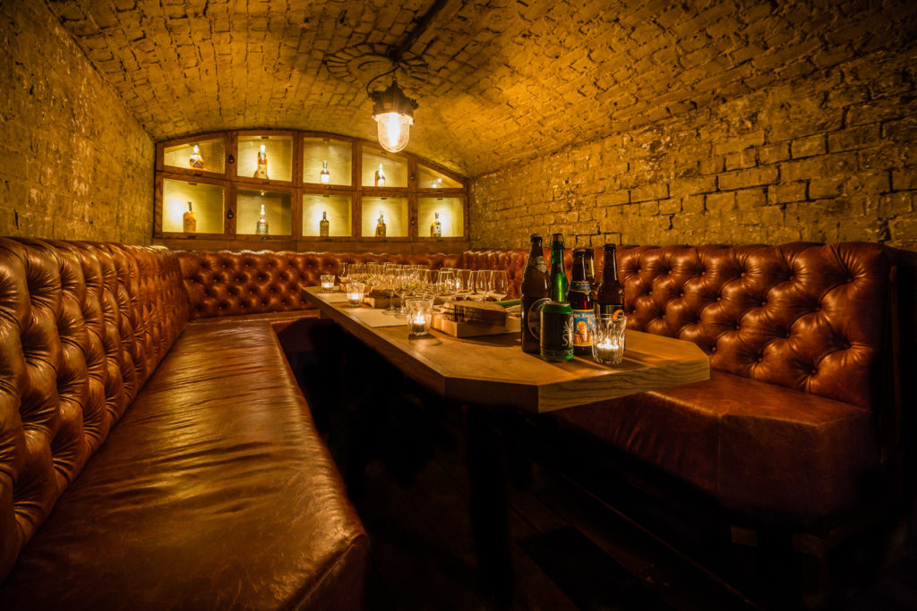 TT-liquor-cellar-bar-tasting-vault-01