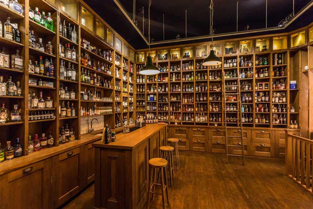 Inside TT Liquor off license