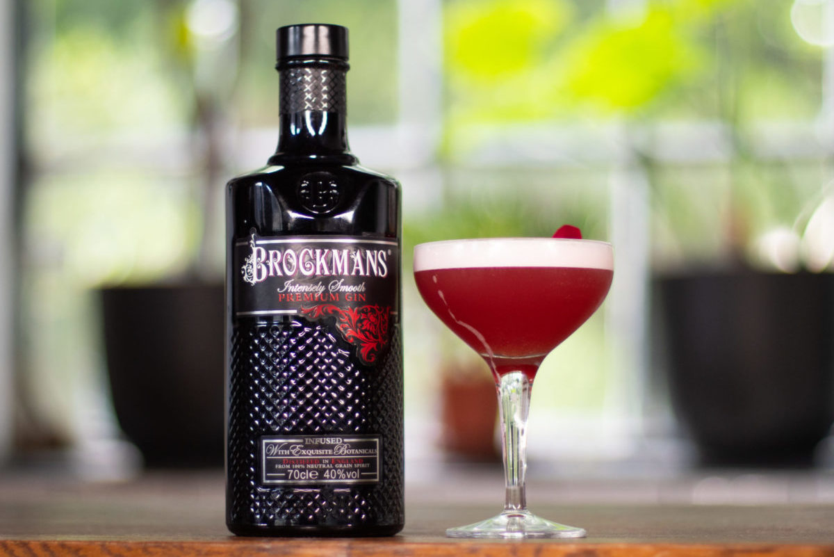 clover club cocktail recipe with brockman's gin